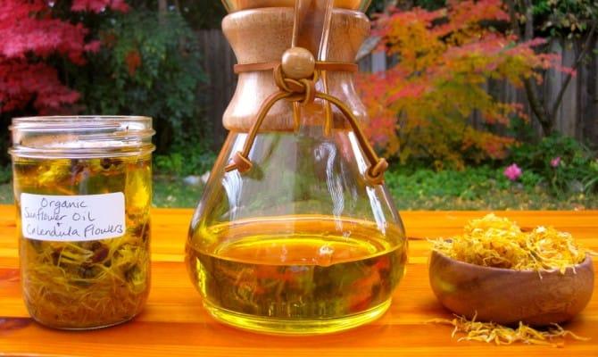 Как приготовить раствор календулы для полоскания горла