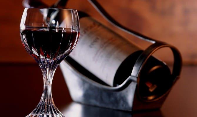 В чем польза красного вина для мужчин?