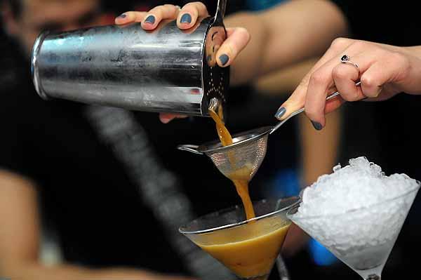 Шейкер для приготовления коктейля