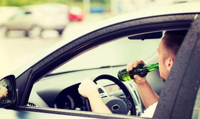 Чем грозит употребление пива за рулем?