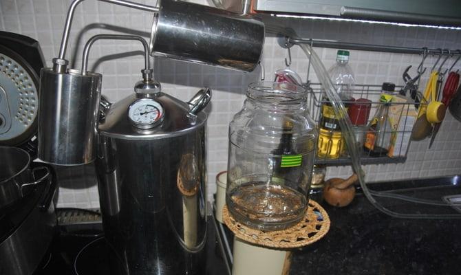 Очистка домашнего спиртного – избавляемся от вредных примесей