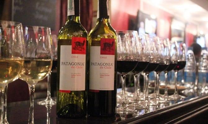 Как следует пить вино?