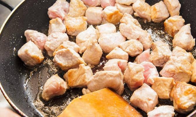 Техника приготовления мяса в вине