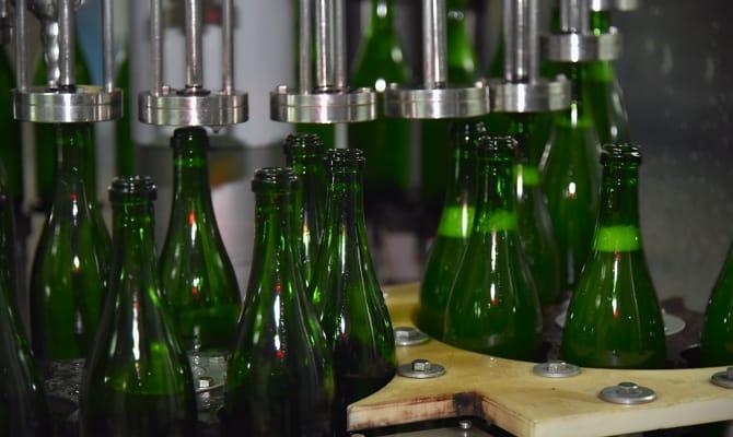 Как производиться шампанизированный напиток