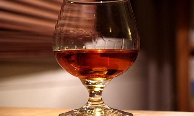 Рецептура приготовления настойки «Черная слива на спирту»
