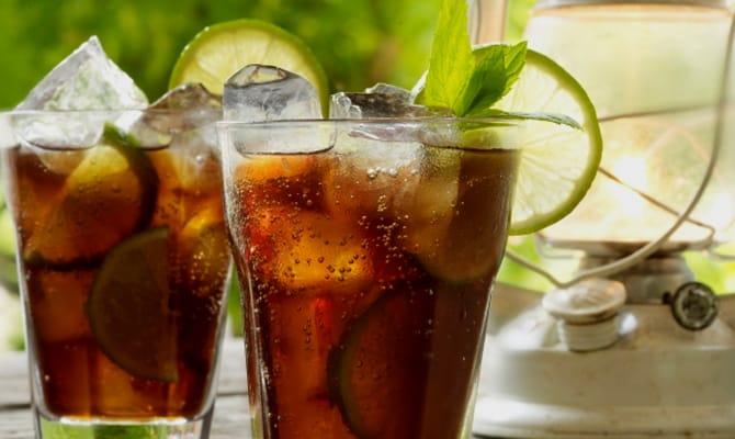 Основные компоненты оригинального рецепта коктейля «Куба Либре»