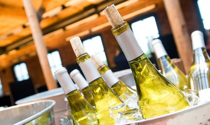 Идеи для гурманов: правила подачи вина