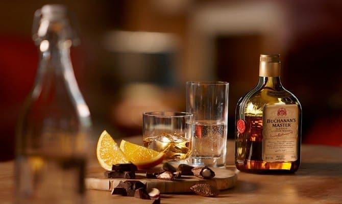 Как пить виски Лафройг