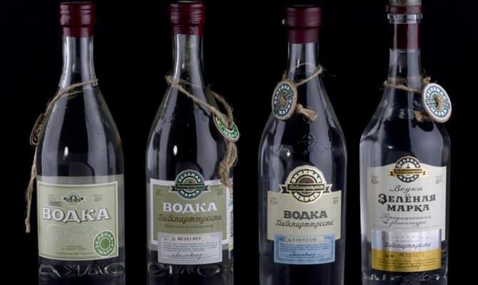 Особенность упаковки и дизайна водки Зеленая марка