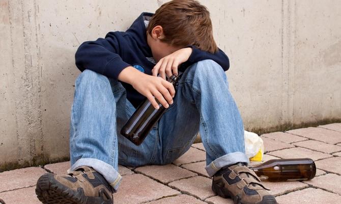 С чего начинается детский алкоголизм?