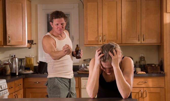 Чего не стоит делать женщине: советы психолога