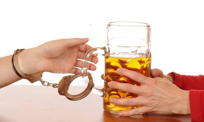 Пивной алкоголизм – симптомы у мужчин и женщин