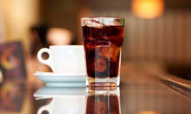 Как приготовить освежающий напиток с колой?