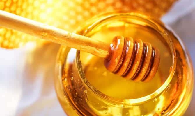 Излечить похмельный синдром также поможет натуральный мед
